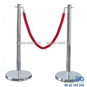 Trụ ngăn lối đi bằng inox dây móc khóa