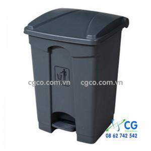 Thùng rác nhựa 68L màu ghi và màu vàng nhập khẩu