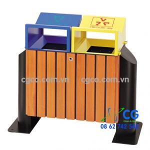 Thùng rác gỗ treo có 2 ngăn bỏ rác thuận tiện